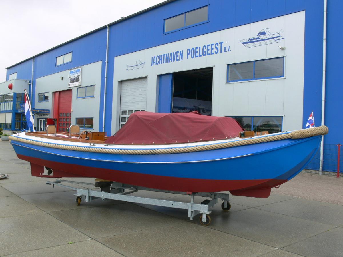 Jachthaven Poelgeest - Occasions - Stalen sloep met Solé 16 pk diesel te koop