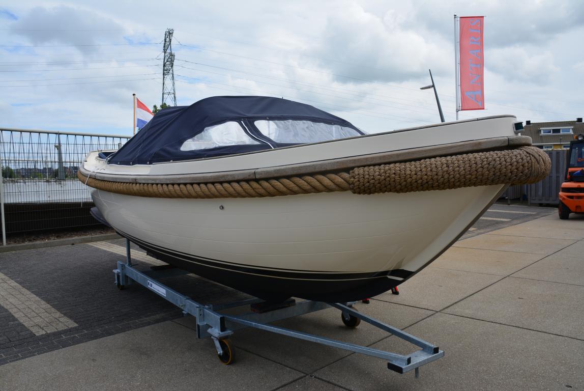 Jachthaven Poelgeest - Occasions - Makma vlet met Yanmar 40 pk te koop